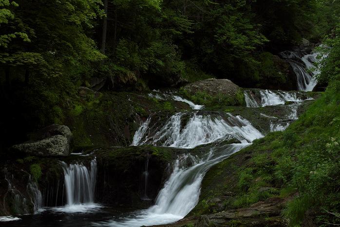 おしどり隠しの滝