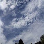 豪雨の合間の刹那の青空