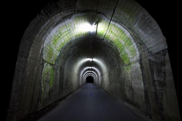 町の境のタイムトンネル
